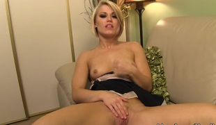 Foxy blond Ash Hollywood gives a masterful handjob