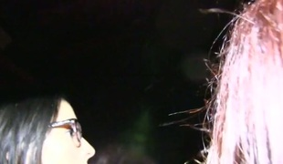 lesbisk kyssing høyskole fest leketøy