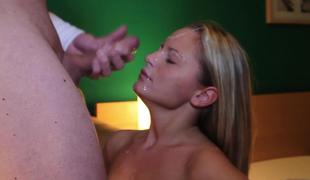 blonde blowjob sædsprut facial sucking