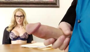 blonde pornostjerne briller