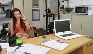 College brunette teen swallowing creamy cum shot BBC