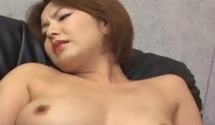 Thai babe has her haiy waft fingered
