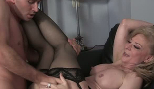 Blue eyed sweetheart Nina Hartley has got an incredible ass and she likes fucking