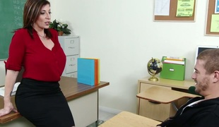 Huge boobed cougar fucks handsome college student