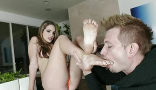 Foot pleasure with Kimmy Granger