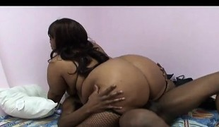 Phat ebony gets nailed from behind before this babe gets on to ride him