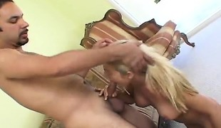 amatør blonde hardcore blowjob små pupper