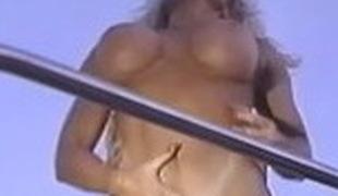 blonde utendørs store pupper