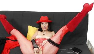 Czech mom nasezda spoils herself with gaping void toying