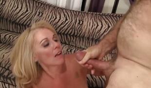 blonde hardcore milf blowjob sædsprut