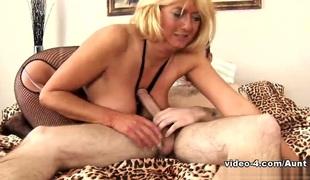 amatør hd moden blonde strømper
