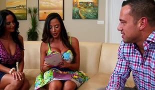 Ariella Ferrera & Ava Addams & Johnny Castle in My Friends Hawt Mom