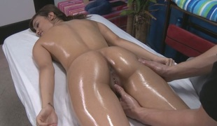 Beauty needs unfathomable penetration after having an oil massage
