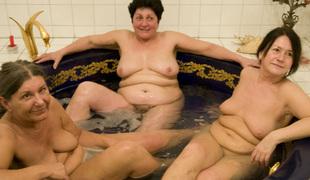 amatør stor rumpe lesbisk store pupper pornostjerne