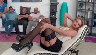 Pleasure hunting MILF collects dicks