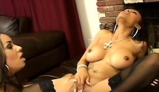 babe slikking lesbisk store pupper strømper