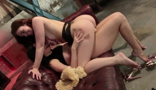 Kimberly Kane gets the fun from licking Jodi Taylors wet hole
