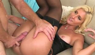 hardcore kyssing strømper truser kjæresten