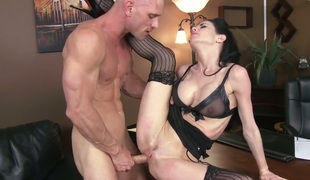 Johnny Sins loves fuck hungry Veronica Avluvs amazing body and fucks her mouth as hard as possible