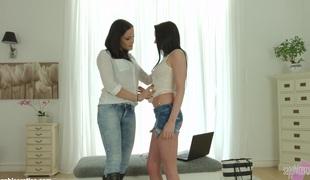 lesbisk fingring
