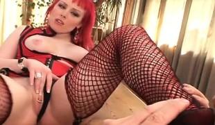 blowjob lingerie onani rødhårete handjob