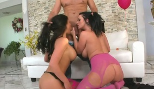 Brunette mommy Phoenix Marie and her GF give double blowjob