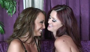 naturlige pupper slikking lesbisk pornostjerne truser