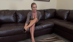 Super hot Nicole Aniston strips and copulates a vibrator