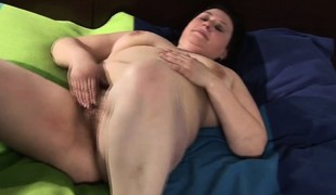 Huge mature mommy playing with her h Iesha from 1fuckdatecom